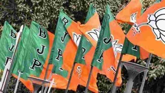 गुजरात: भाजपा ने सभी 6 नगर निगमों को बरकरार रखा, AAP ने सूरत में पदार्पण किया
