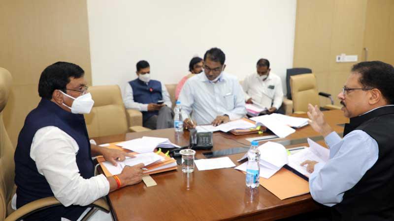 ग्रामीण क्षेत्र की नल-जल योजना का कार्य शीघ्रता से करें : मंत्री श्री सिसोदिया