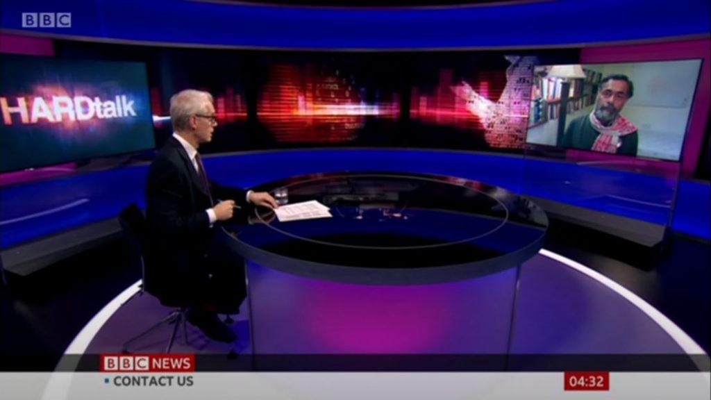 योगेंद्र यादव ने भारत के बारे में कर्कश रोने के लिए बीबीसी पर दिखाया, लंगर के बजाय अलग हो गए