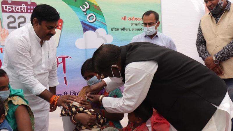 सघन मिशन इन्द्रधनुष-3 अभियान का स्वास्थ्य मंत्री डॉ. चौधरी ने किया शुभारंभ