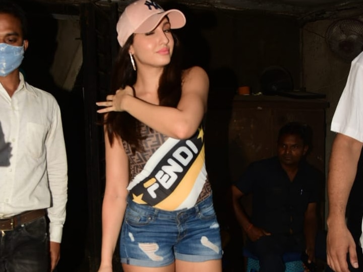 सिंगर तुलसी कुमार के साथ नोरा फतेही ने आंख मार दी धमाकेदार डांस, देखें दोनों की जुगलबंदी