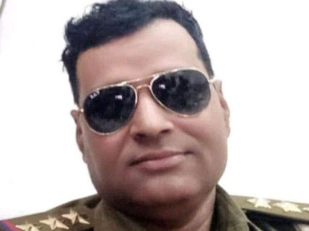 Bijnor news: बिजनौर में अवैध वसूली में डीआईजी की बड़ी कार्रवाई, इंस्पेक्टर सस्पेंड, दारोगा पर FIR
