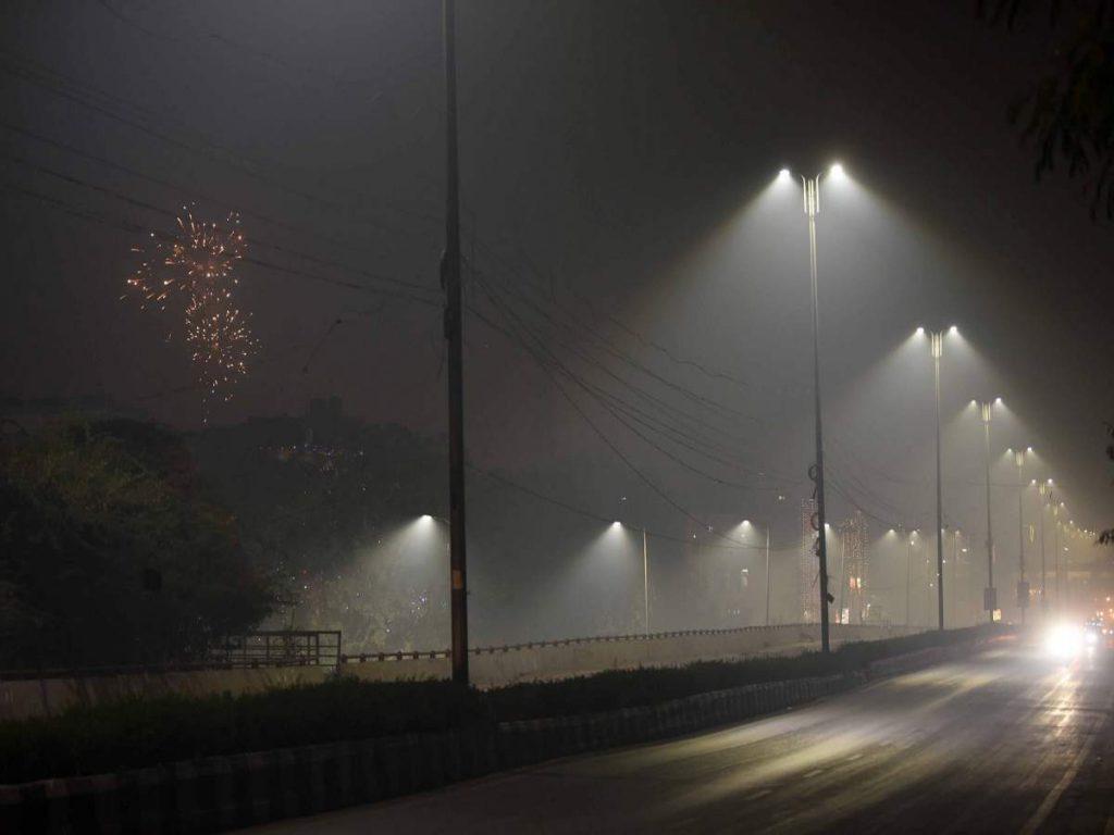Night curfew in meerut : कोरोना के कहर के चलते मेरठ में भी नाइट कर्फ्यू का ऐलान, रात 10 से सुबह 5 बजे तक पाबंदी