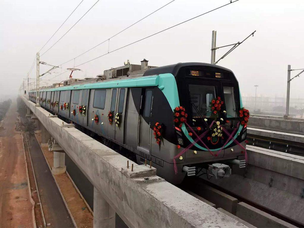Noida metro news: पीक आवर में एक्वा लाइन के 10 स्टेशनों पर मेट्रो रुकेगी या नहीं, रिव्यू के बाद होगा फैसला