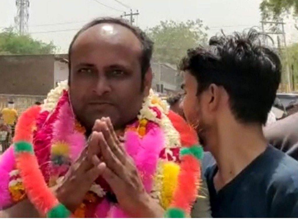 UP Panchayat Chunav: पंचायत में हुई सहमति और बिना चुनाव चुना गया प्रधान