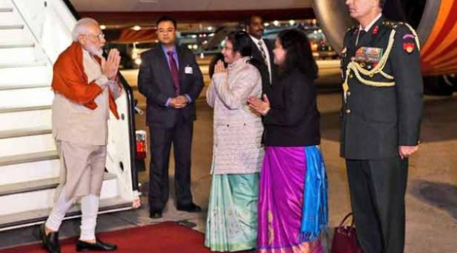 'हाउडी मोदी' कार्यक्रम में जाते वक्त 2 घंटे जर्मनी में रुके PM मोदी, जानें क्यों
