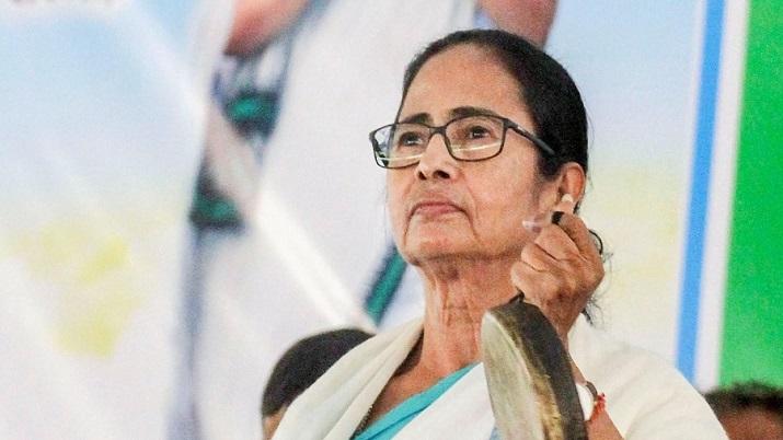 ममता मतदाताओं से 'घेराव' के लिए कहती हैं, सीआरपीएफ के जवान, बीजेपी ने चुनाव आयोग का रुख किया