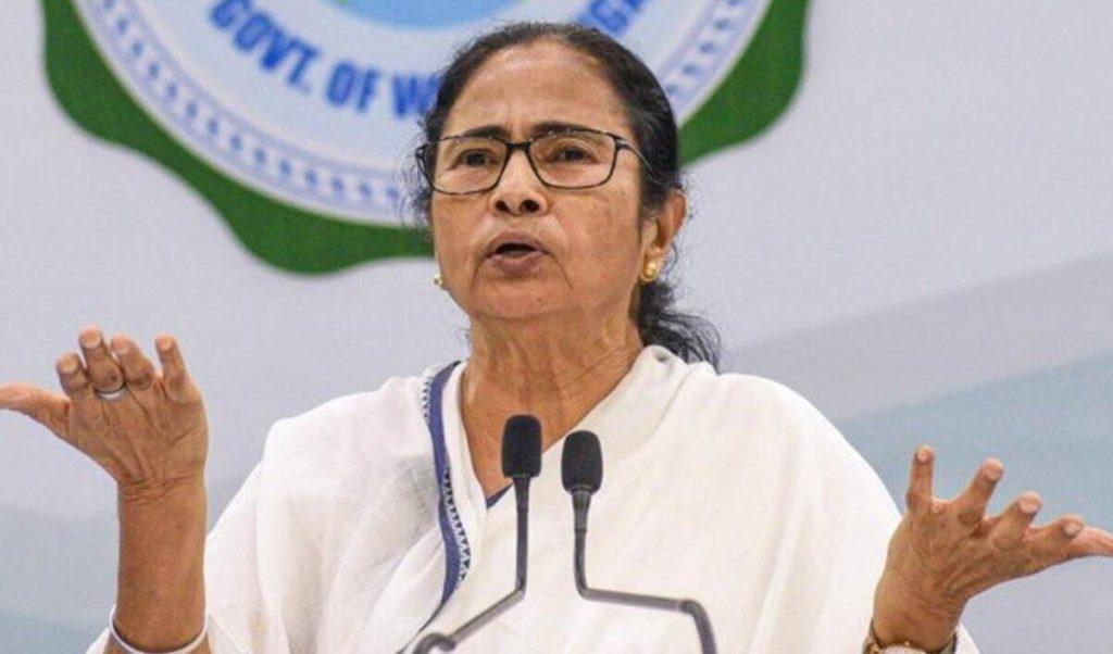 सांप्रदायिक वोट अपील को लेकर चुनाव आयोग ने ममता बनर्जी को नोटिस जारी किया