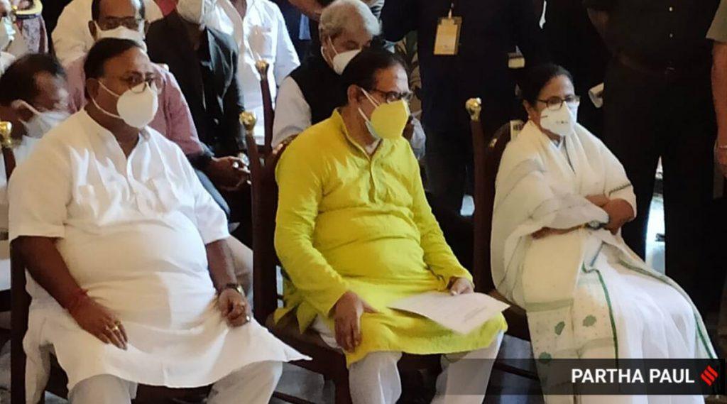 ममता बनर्जी का शपथ ग्रहण समारोह LIVE अपडेट: TMC सुप्रीमो ने ली पश्चिम बंगाल की सीएम की शपथ, शांति की अपील