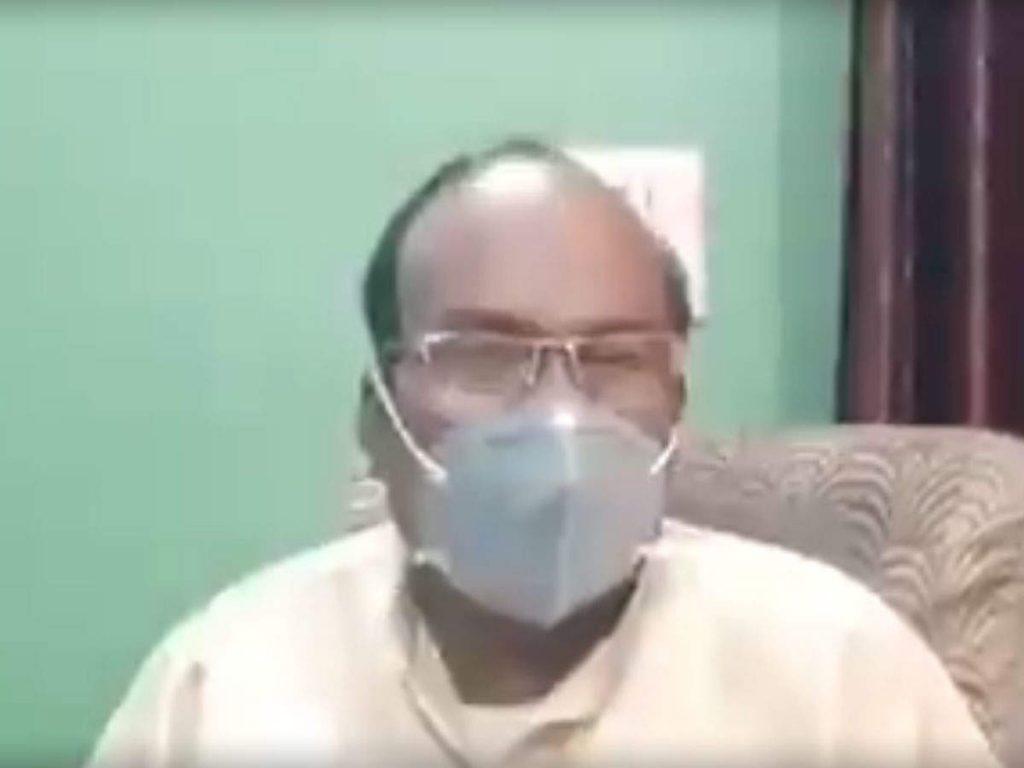 UP Coronavirus Update: एक और BJP विधायक का दावा- 'गोमूत्र पीने से कभी नहीं होगा कोरोना, किडनी और लिवर भी खराब नहीं होगा'